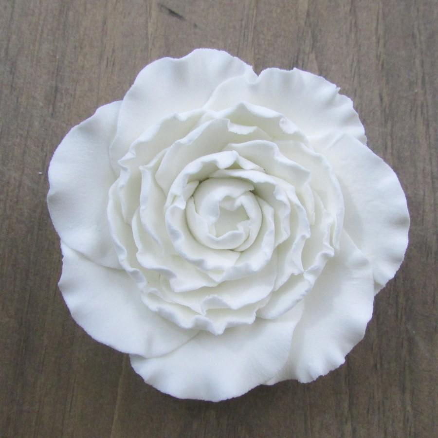Gumpaste ranunculas white 2 inch 3 inch and buds fondant flowers gumpaste ranunculas white 2 inch 3 inch and buds fondant flowers mightylinksfo