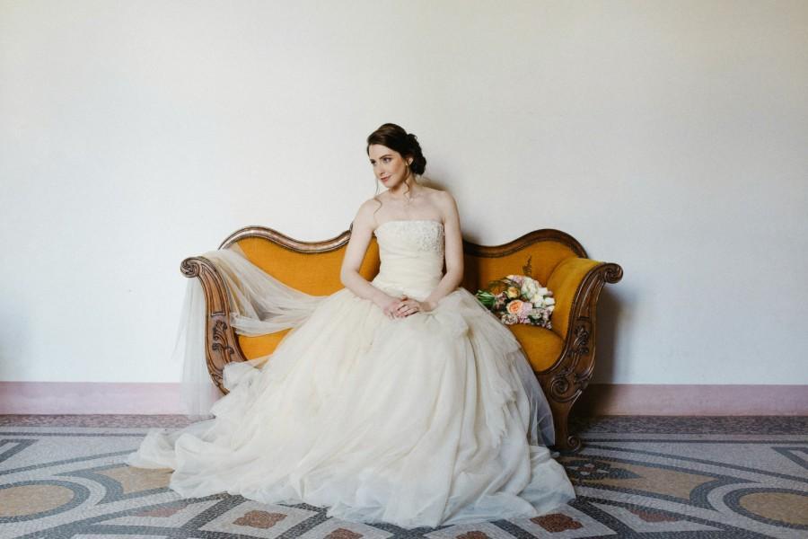 زفاف - Champagne wedding dress in tulle and lace, beige strapless wedding dress, lace and tulle wedding gown, corset wedding dress