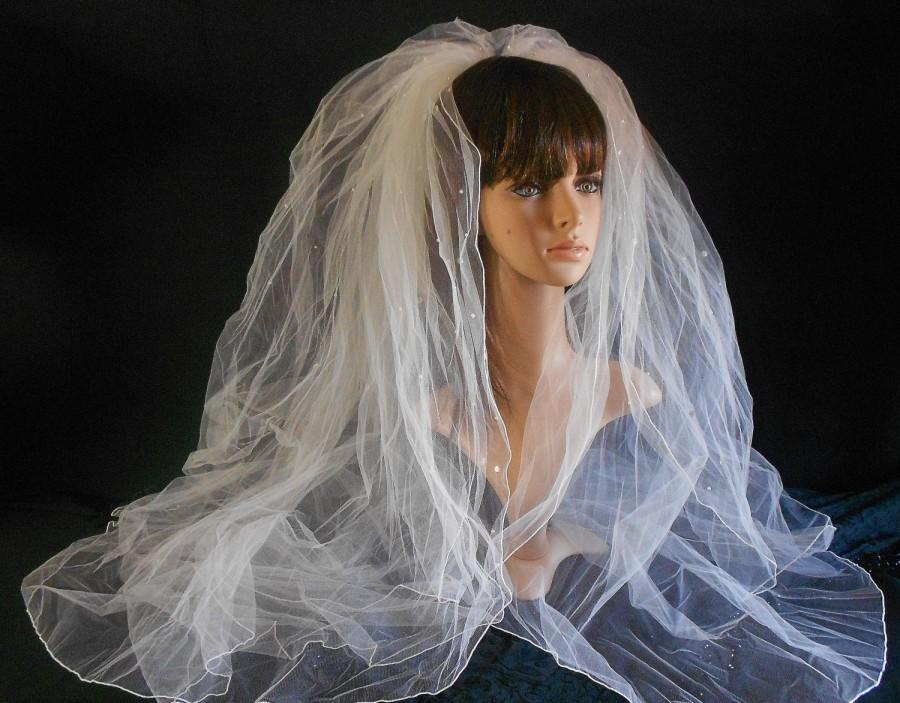 Свадьба - Vintage Wedding Veil-pearls and Sequins Pencil Edge Multi Tier Bridal Veil-Bridal Accessories