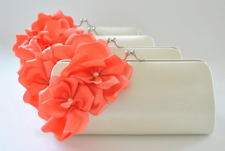 Hochzeit - Set of 9 Small Bridesmaid clutches / Wedding clutches - CUSTOM COLOR