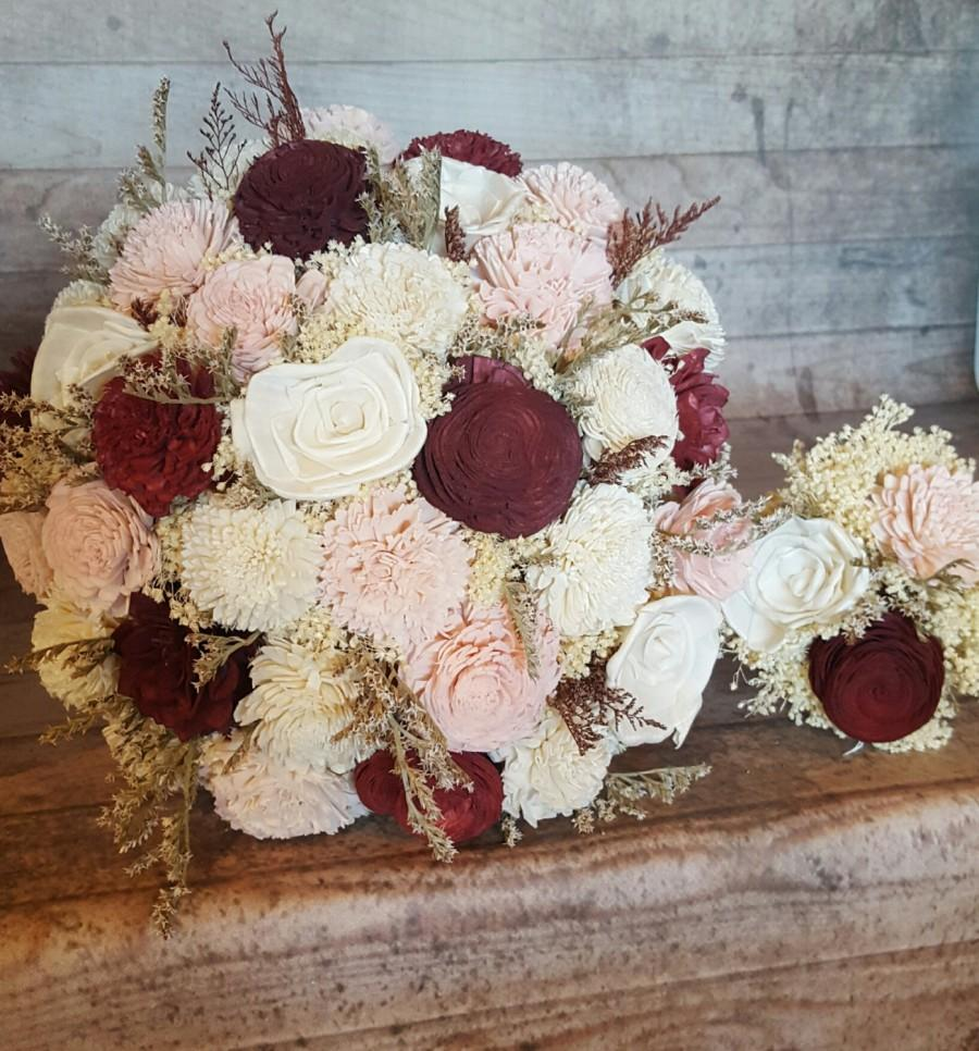 Mariage - Burgundy Cabernet and Blush Wedding Sola Flowers and dried Flowers Bride or Bridesmaid Keepsake Balsa wood Flowers Bouquets Marsala Wine