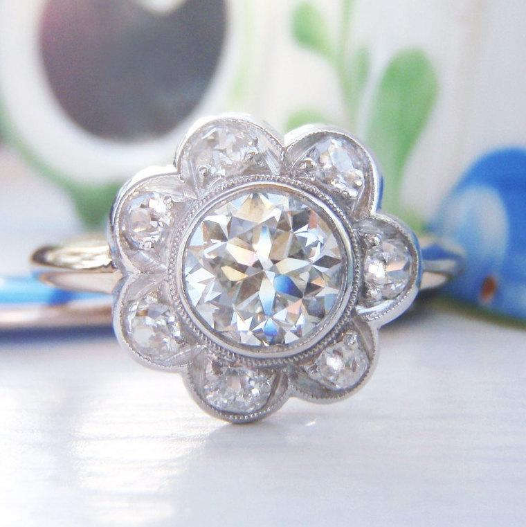 Hochzeit - Spectacular Art Deco Vintage Flower Cluster Diamond Engagement Ring. Total Diamond Weight 1.10 Carats. Feature Diamond Stunning Quality VS1