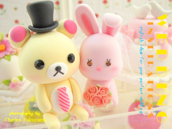 Mariage - rabbit and bear Wedding Cake Topper-love bear and rabbit,bunny with sweet heart base---k931