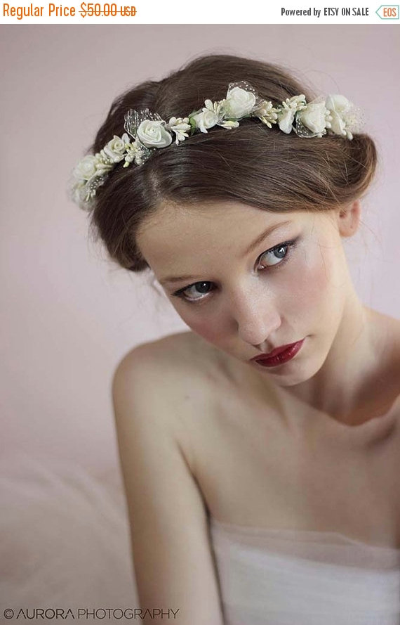 Mariage - ON SALE Floral Bridal Hair Wreath,Wedding Woodland Flower Crown,Ivory Bridal Hair Wreath,Wedding Floral Crown,Bridal Floral Crown,Beach Brid