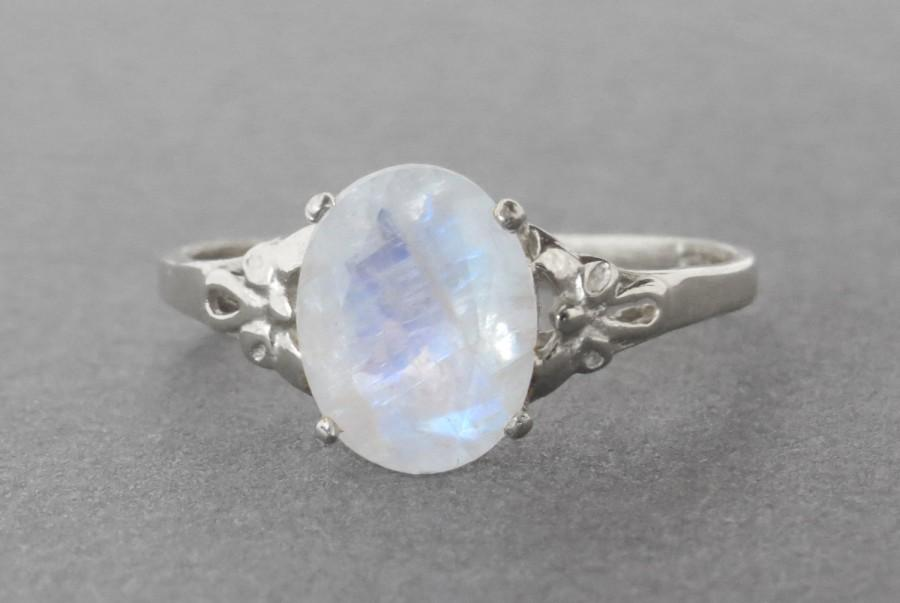 Mariage - Oval moonstone silver ring, moonstone engagement ring, Vintage style ring, Antique style ring, unique moon stone ring, Oval gemstone ring