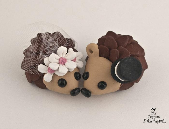 Mariage - Hedgehogs Wedding Cake Topper with Daisies
