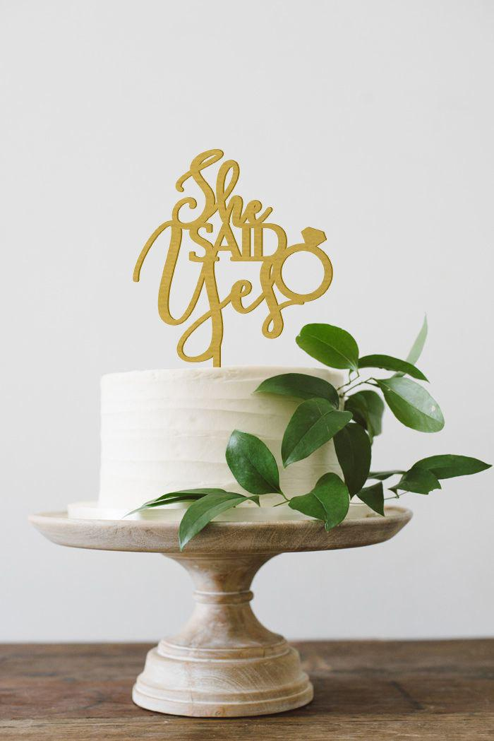 Mariage - She Said Yes Cake Topper, Engagement Cake Topper, Engagement Party Decor, Bridal Shower Cake Topper, Bachelorette Decor, Wood Cake Topper