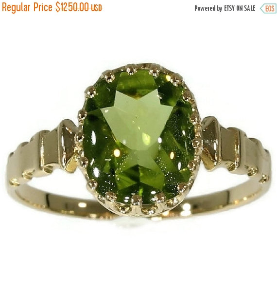Mariage - 30% Off Winter Sale Antique French 18K yellow gold ring with green peridot