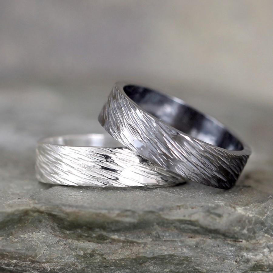 Mariage - 5mm Hammered Bark Texture Wedding Band – Sterling Silver – Commitment Rings – Wedding Bands – Unisex Design – Rustic – Tree Branch Finish