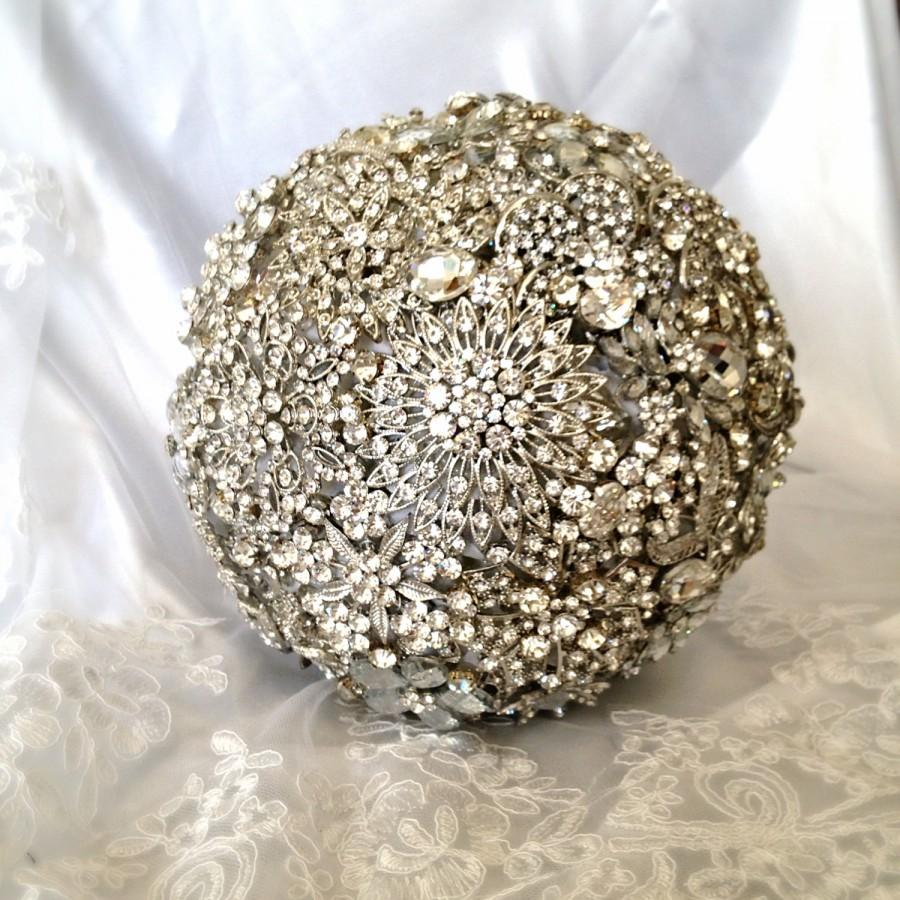 Mariage - Wedding Brooch Bouquet. Deposit on made to order Crystal Bling Brooch Bouquet. Diamond Jeweled Bridal Broach Bouquet