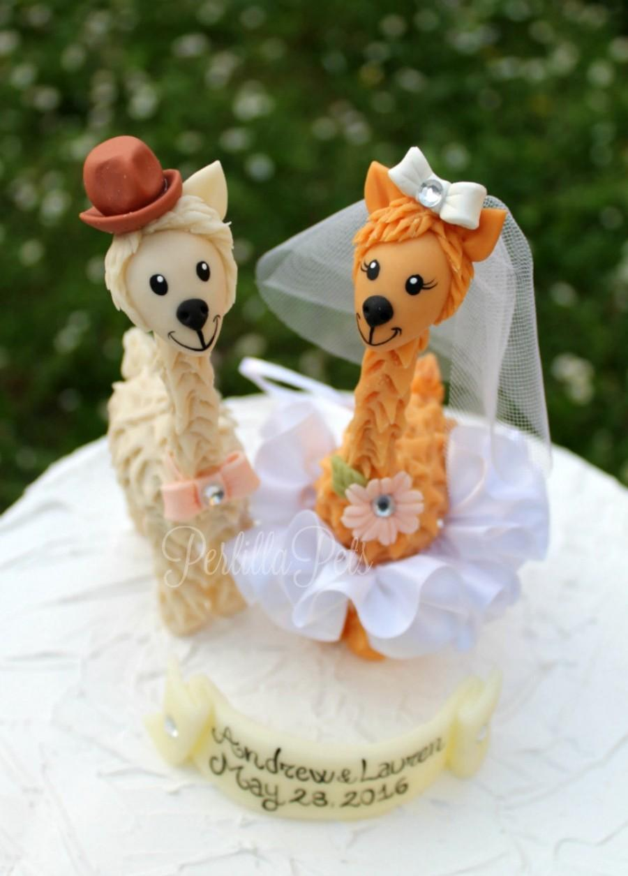 Свадьба - Llama custom wedding cake topper, wedding cake figurines, cute animal cake topper, bride and groom with banner
