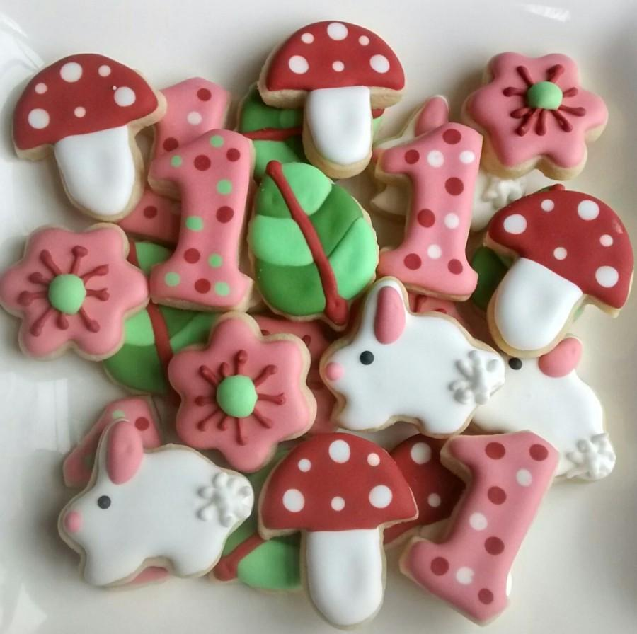 "Mariage - Woodland birthday mini sugar cookies or large 3.5"" with royal icing mushroom, flowers leaves, bunny, rubbit,one,digit"