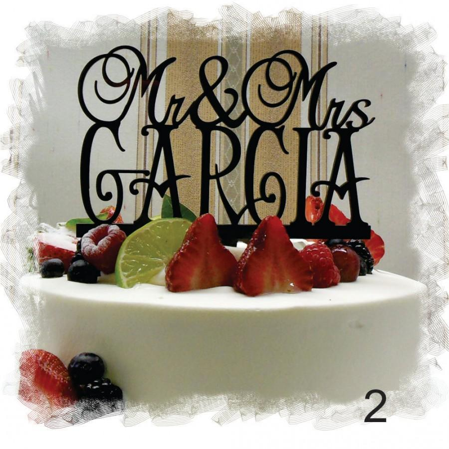 Mariage - Mr and Mrs Wedding Acrylic Monogram Cake Topper With Your Last (Family)Name - Personalized Wedding Cake Topper