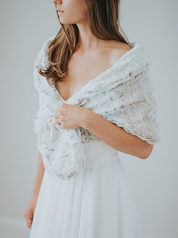 Mariage - Faux Fur Wedding Shawl