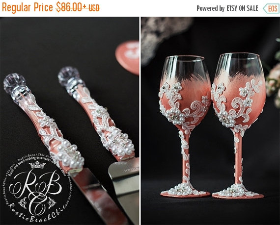 Свадьба - SALE Flowers wedding set, champagne flutes and cake server and knife, toasting glasses, white lace, cake serving, pearls & blush pink,  4 pc