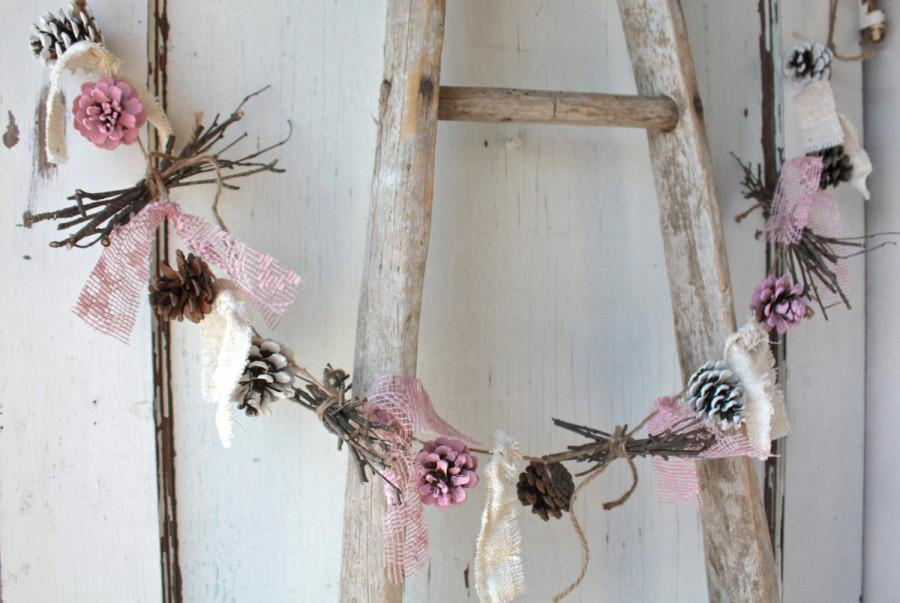 Свадьба - Pinecone Garland/ Pink White Pinecones/ Rustic Holiday Decor/ Christmas Garland/ Vintage Wedding/ Cottage Chic Garland/ Natural Birch Twigs