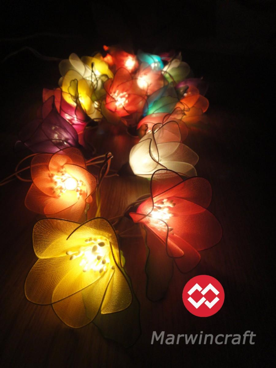 Mariage - 20 Mixed Rain Lilly Flower Fairy String Lights Hanging Wedding Gift Party Patio Wall Floor Garden Bedroom Home Accent Floral Decor 3m
