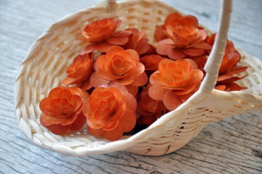 Свадьба - 150  Pcs Burnt Orange Birch Wood Roses for Weddings, Home Decorations, Scrapbooking and Floral Arrangements