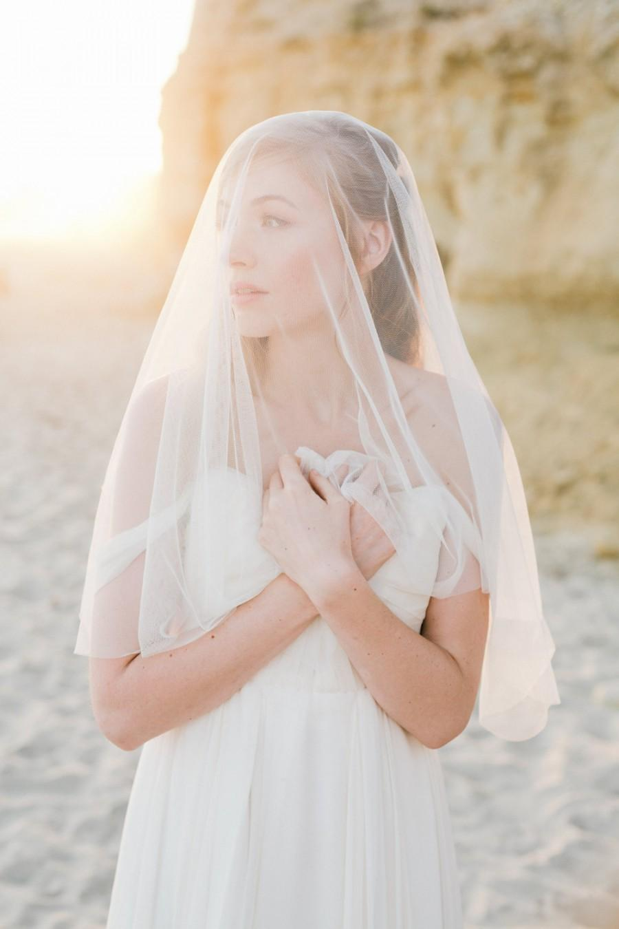 Mariage - The Laura Veil created with soft English Netting and beaded, rhinestone combs
