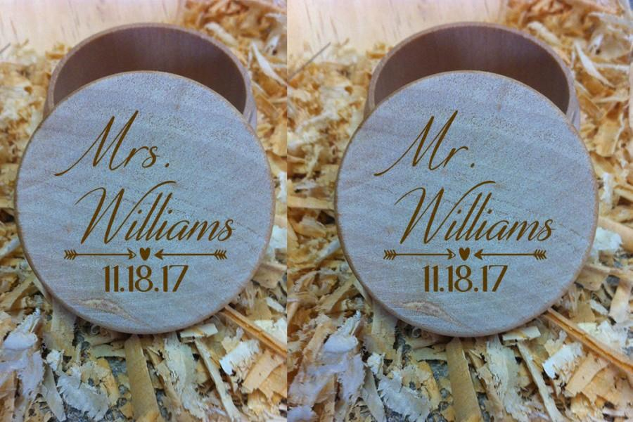 Свадьба - Mr & Mrs Surname With Arrows, Hearts And Date Natural Finish Ring Bearer Box