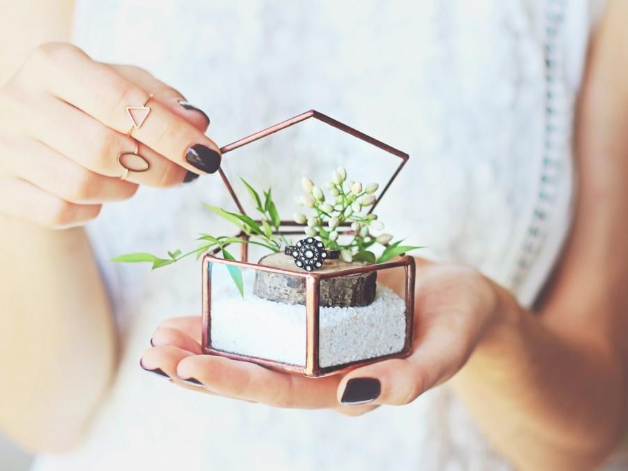 Mariage - Glass Ring Box, Ring Bearer Box, Wedding Ring Box, Bridesmaid Gift, Geometric Jewelry Box, Rose Gold Ring Box, Ring Pillow, Pentagon Box