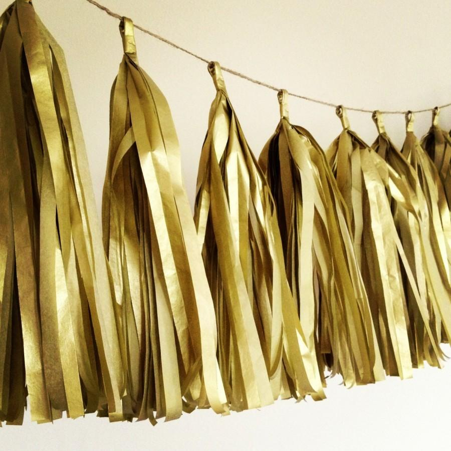 Mariage - GOLD METALLIC / tissue paper tassel garland / wedding decorations / new years eve decorations / nye / metallic gold theme / fringe banner