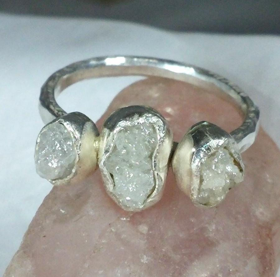 Mariage - Multistone diamond ring, Triple Rough Diamond Engagement Ring, silver and raw diamond