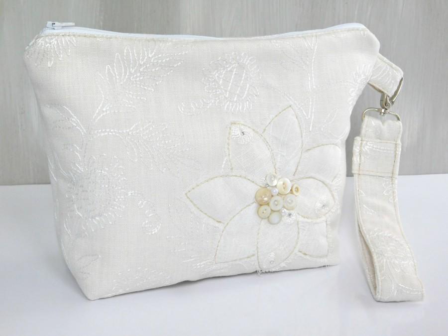 Mariage - Wedding Handbags for Brides, Ivory Wedding Purse, Brides Handbag, Wedding Clutch, Bridal Clutch, Bridal Purse, Bride Purse, Wedding Bags