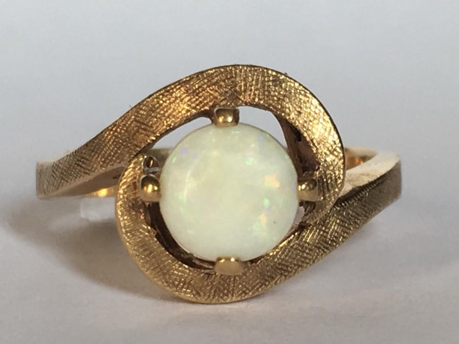 Свадьба - Vintage Opal Ring. White Opal in 10K Yellow Gold. Unique Engagement Ring. Estate Jewelry. October Birthstone. 14th Anniversary Gift.