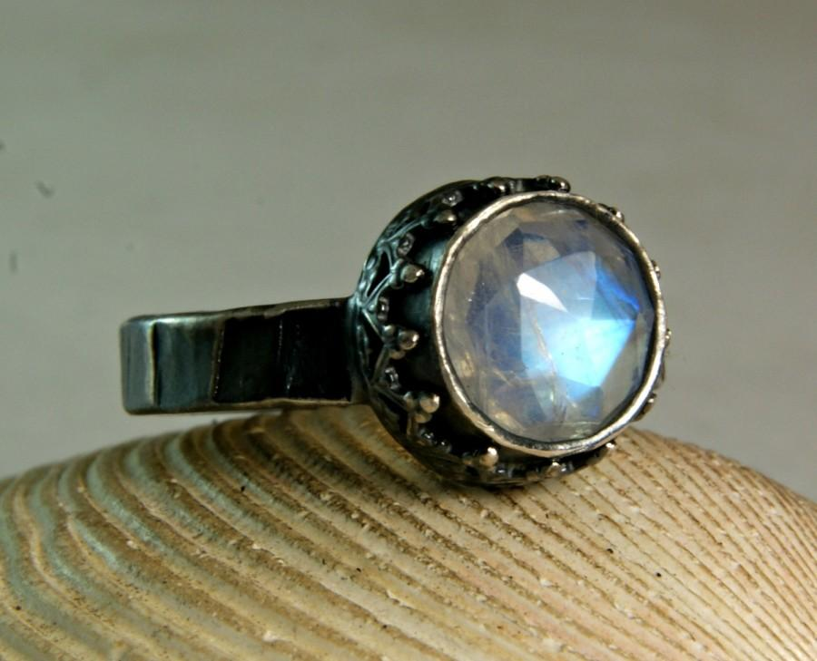 Mariage - Silver Blue Moonstone Ring, Sterling Silver Jewelry, Engagement ring , Renaissance Jewelry, Faceted Stone