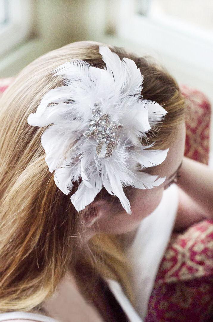 Mariage - Bridal feather hair clip, wedding hair accessories, bridal headpiece,  wedding headpiece head piece, bridal headpiece fascinator Style 211