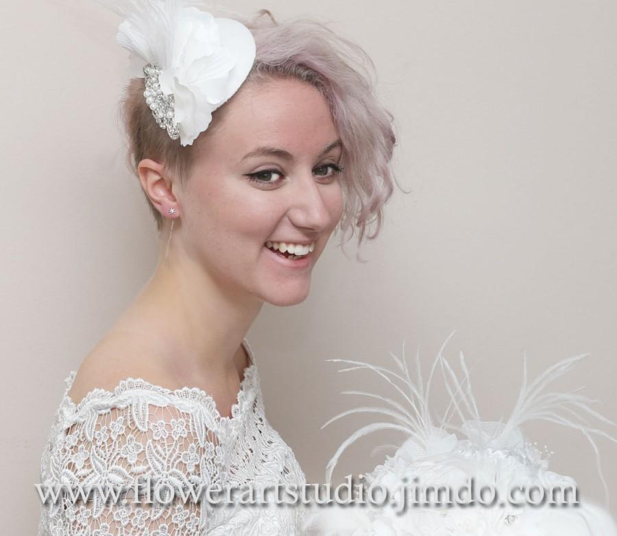 Mariage - White Bridal Headpiece White Rhinestone Fascinator Wedding top hat Bridal Hair Flower Bridal Small Hat Bridal Hair Accessories