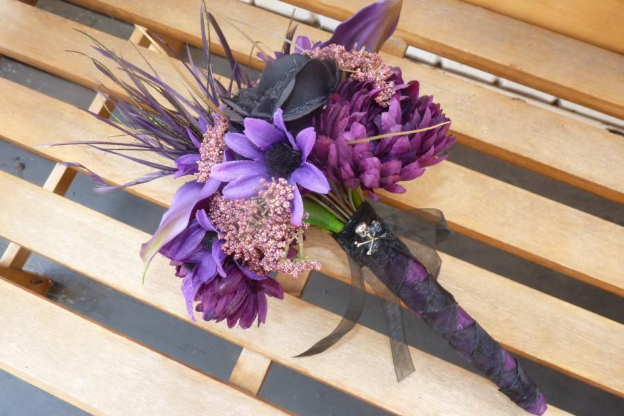 Wedding - Dark purple & Black bouquet~ Halloween Wedding, Goth Wedding, Fall Wedding, Rockabilly Wedding