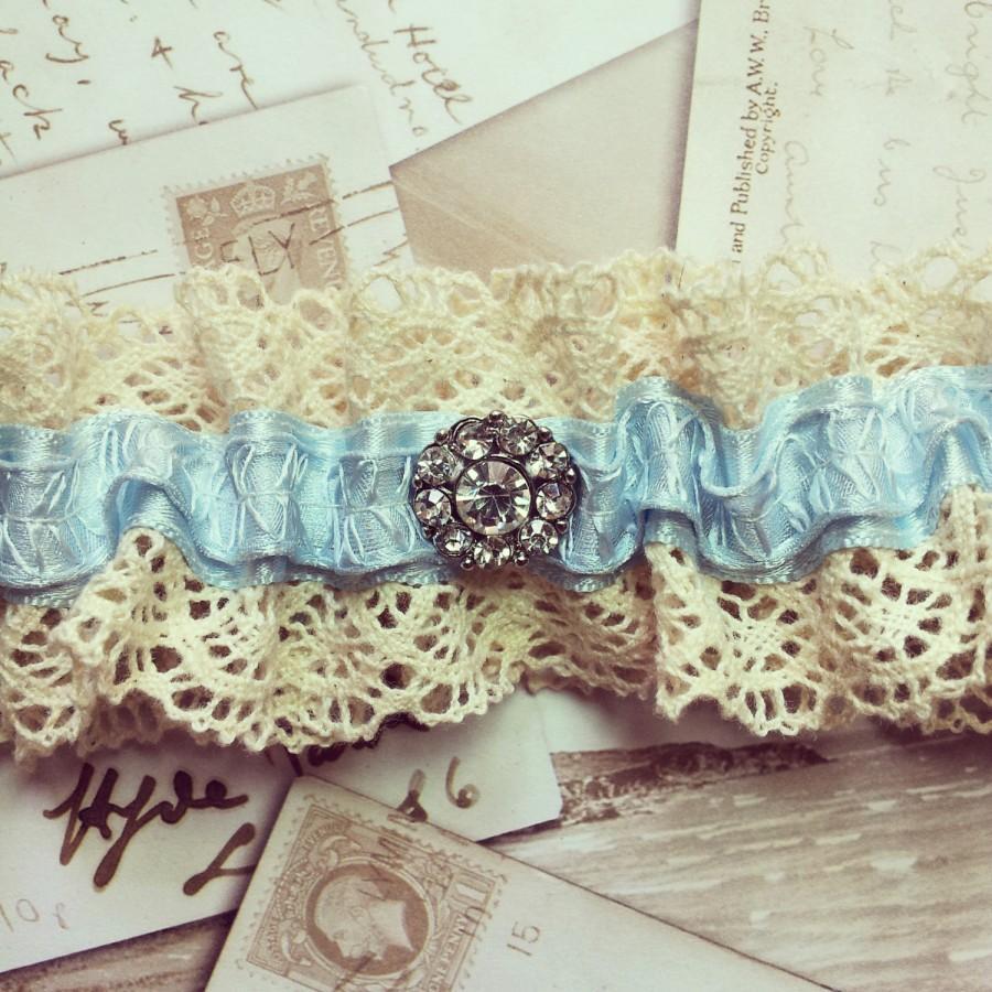 Свадьба - Vintage Style Garter - wedding garter, bridal garter, lace garter, blue garter, vintage garter, luxury garter, keepsake, heirloom, lingerie
