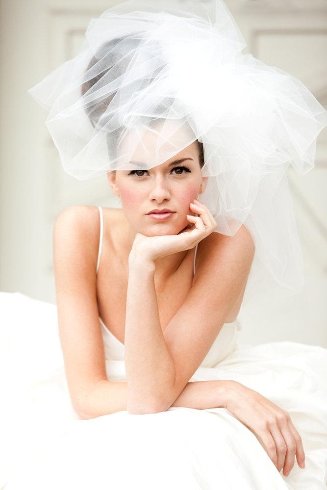 Hochzeit - Wedding Veil -- Classy Bubble Veil