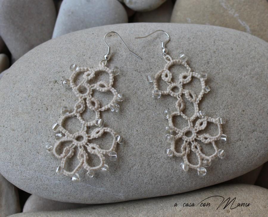 Mariage - Orecchini in pizzo chiacchierino, lace tatting earrings, beige, orecchini pendenti, bijoux, regali per lei, fatto a mano, made in Italy