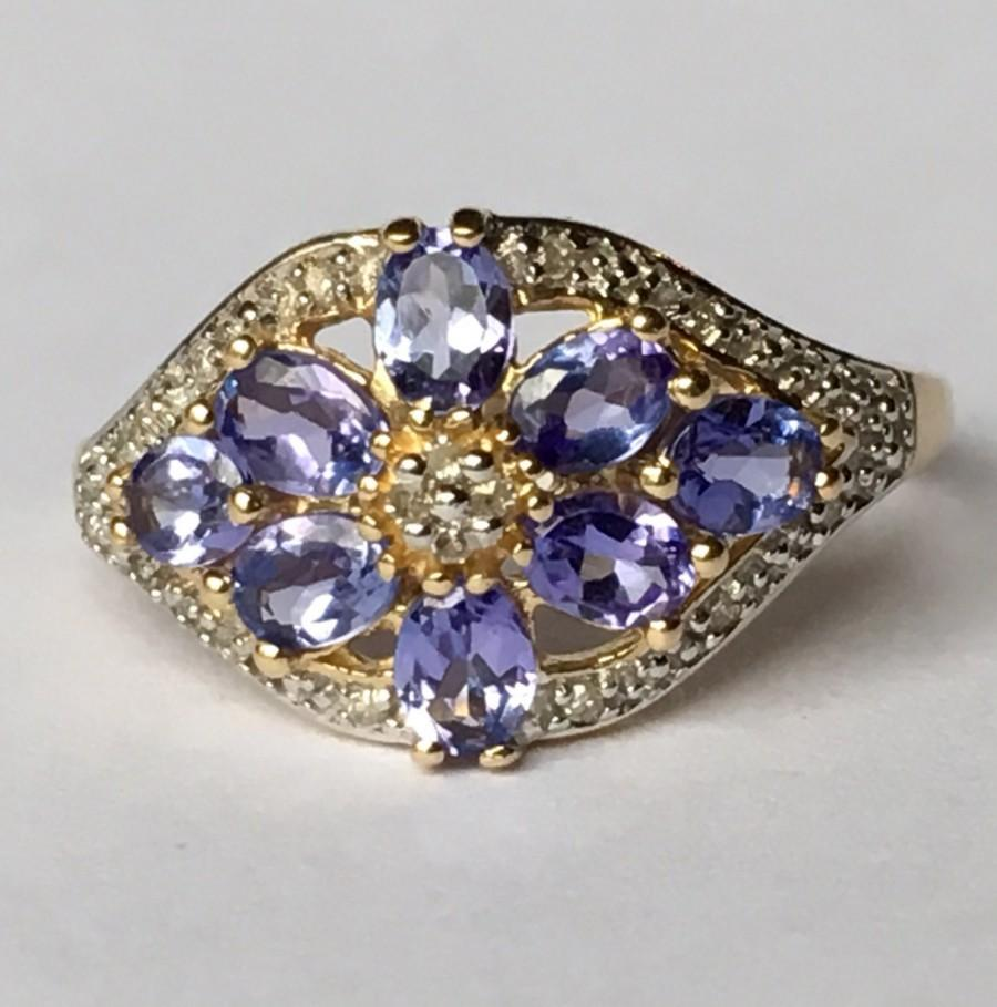 Mariage - Vintage Tanzanite Ring. Diamond Accents.  14k Yellow Gold. Estate Jewelry. Unique Engagement Ring. December Birthstone. 24th Anniversary.