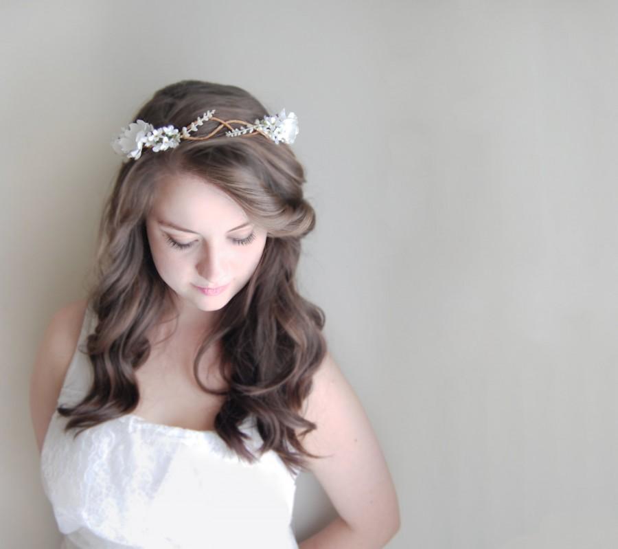 Mariage - Bridal Floral Crown, White Flower Bridal Hairpiece, Woodland Hair Flower Crown, Boho Flower Crown