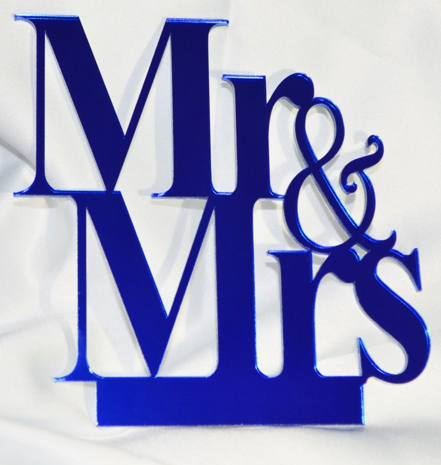 Wedding - Beautiful and Elegant Mr and Mrs Cake topper Laser cut in mirror acrylic, personalized with lastname.