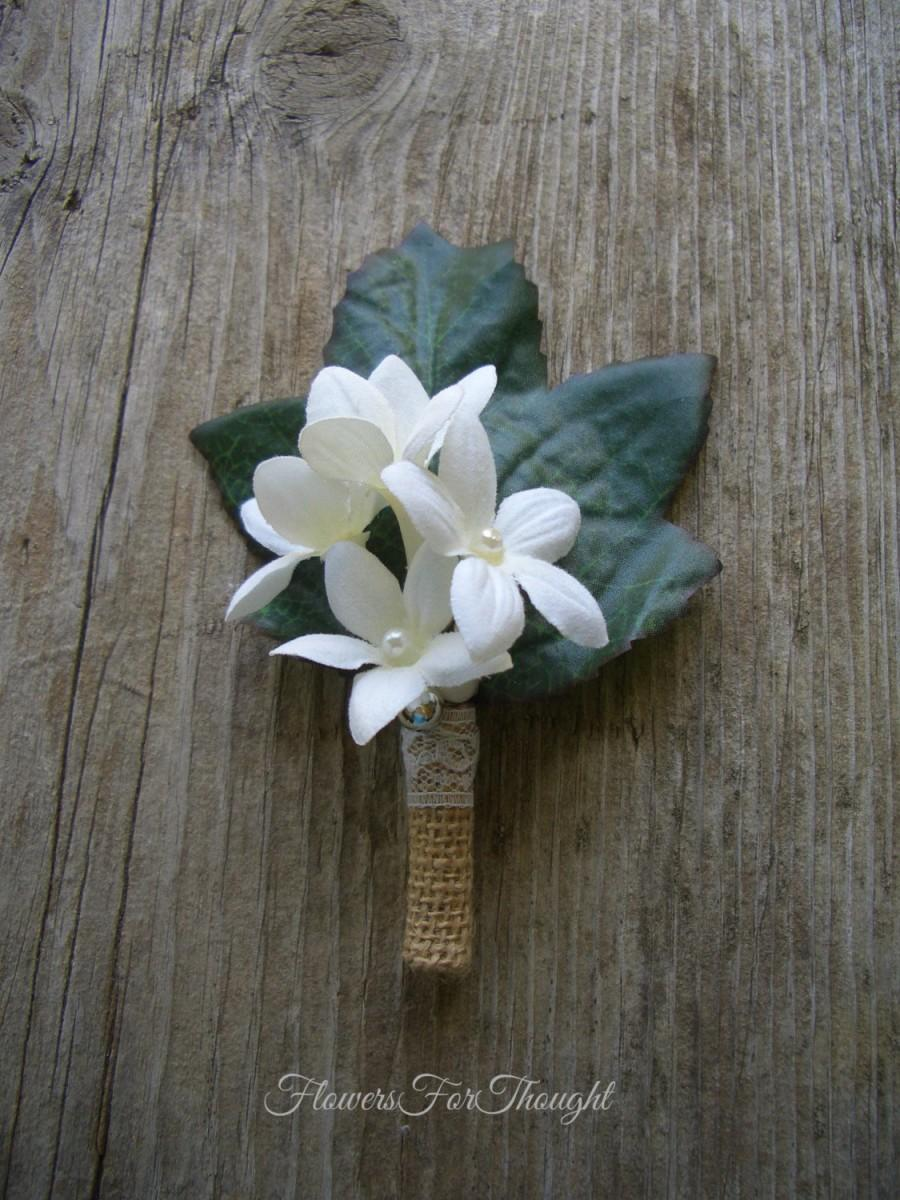 Mariage - Stephanotis Boutonniere with Burlap and Lace, Grooms rustic Wedding Flower, Mens Lapel Pin