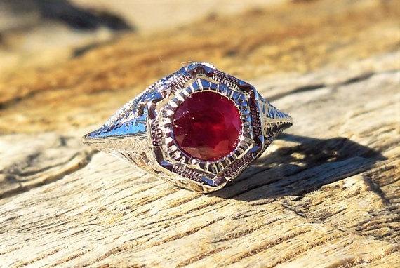 Mariage - Antique Engagement Ring .75ct Ruby Unique Engagement Ring Art Deco Vintage 18k White Gold