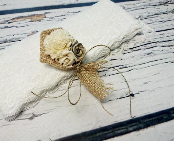 Свадьба - Cream rustic wedding Rustic BOUTONNIERE / CORSAGE groom groomsman boutonniere, Sola Flower, Wedding Flowers custom