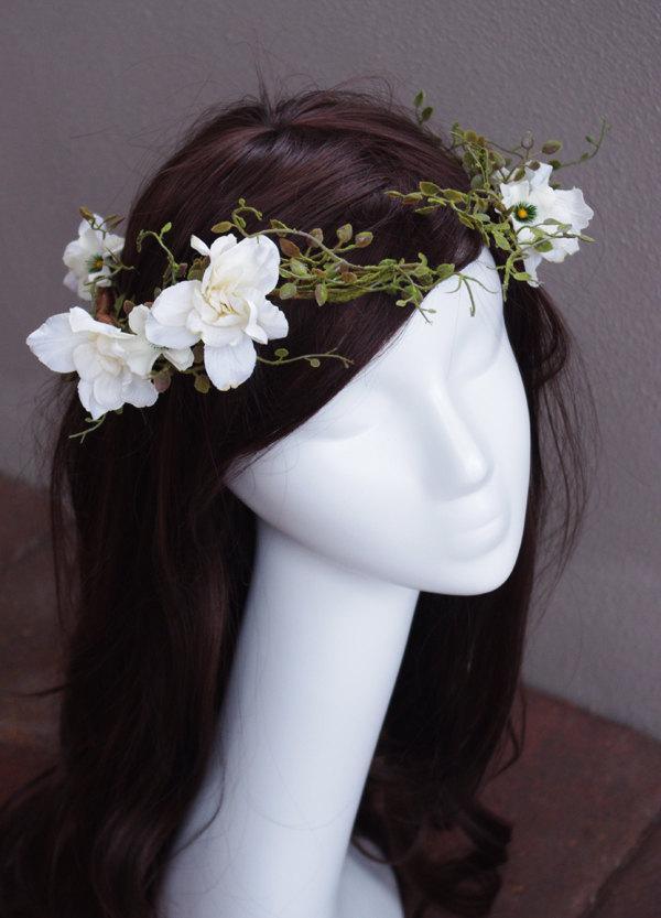 زفاف - Twine, Flowers and Greens Wedding Bridal Hair Wreath - Rustic or Shabby Chic Bride Hair Flowers