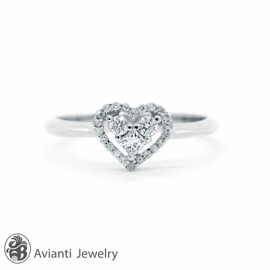 Mariage - Ring, Engagement Ring, Heart Diamond Engagement Ring, Diamond Heart Engagement Ring, Engagement Ring, Heart with Diamond Halo Ring