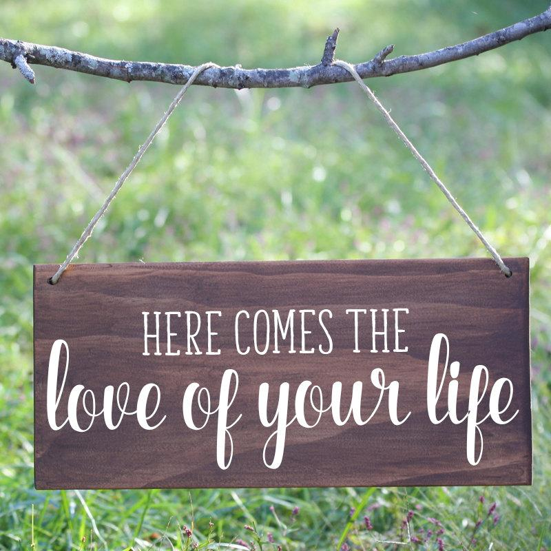 Mariage - Here Comes the Love of Your Life Sign, Here Comes the Bride wood sign, Ring Bearer Sign, Flower Girl Sign, Boho Here comes the bride sign