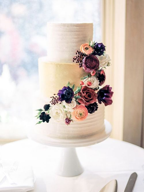 Wedding - These Stunning Wedding Cakes Are Perfect For A Fall Wedding