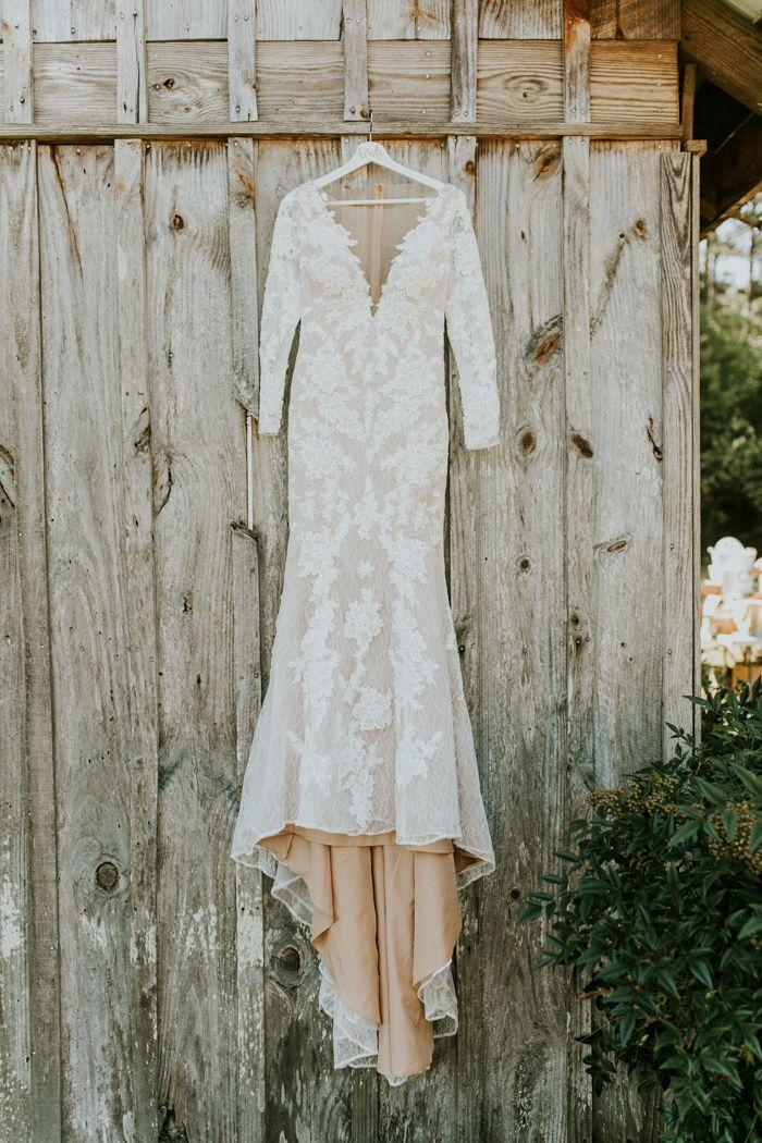Wedding - Gorgeous Southern Marsala Wedding At Grace Oaks