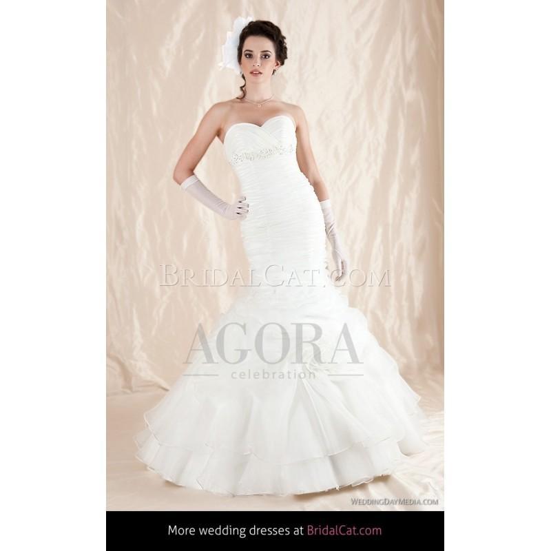 Mariage - Agora 2012 12-32 - Fantastische Brautkleider