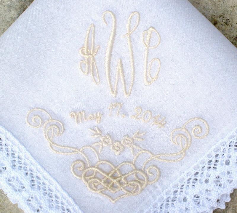 Свадьба - WEDDING HANDKERCHIEF, Bride & Groom, Mother of Bride/Groom, Bridesmaid, Gift, Embroidered, Cutwork Design, Scallop Lace Edge 12x12
