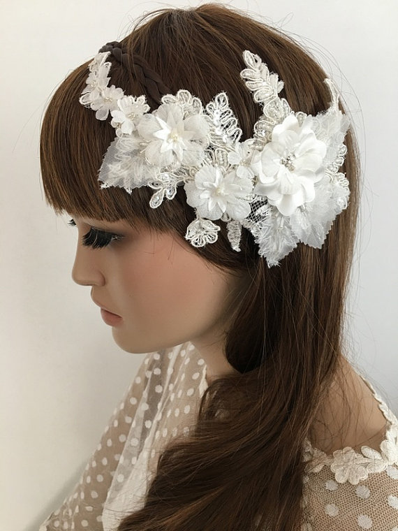 Wedding - Bridal Lace Hair Comb, ivory Floral Wedding Headpiece, Bridal Lace Fascinator, lace Comb, Lace hair, Wedding Hair, Bridal Hair, Accessories